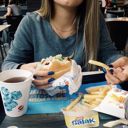 Картинки на аву с едой и девушки с едой - самые необычные 1