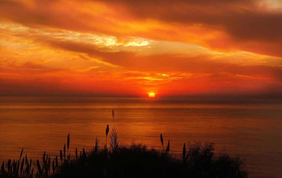 Невероятный и красивый закат Солнца летом - картинки и изображения 10