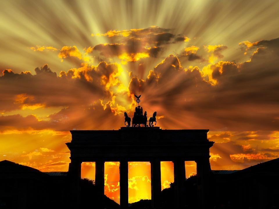 Невероятный и красивый закат Солнца летом - картинки и изображения 14