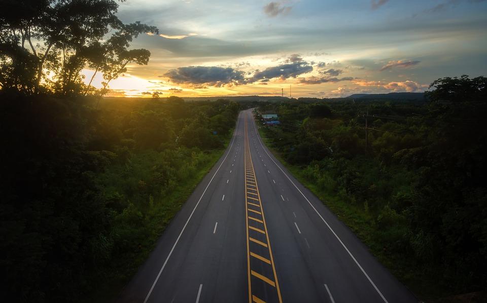 Невероятный и красивый закат Солнца летом - картинки и изображения 3