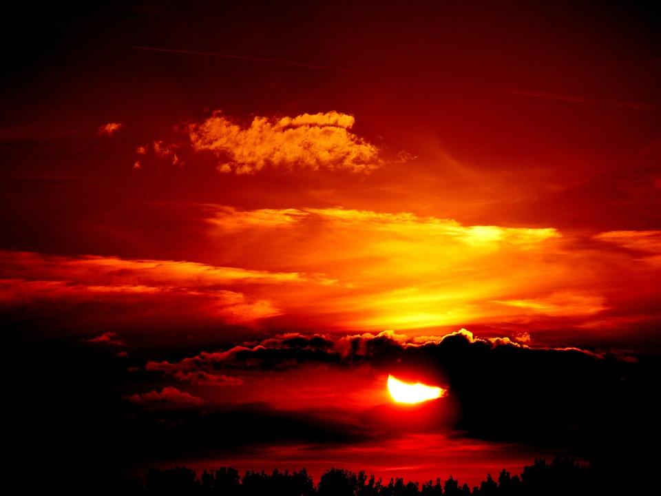 Невероятный и красивый закат Солнца летом - картинки и изображения 4