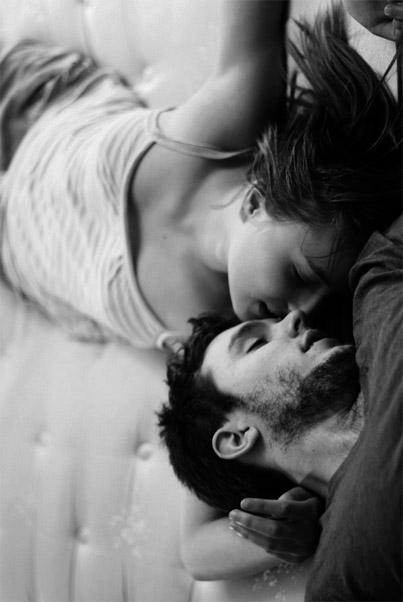 Черно-белые фото и картинки поцелуев любящих людей - сборка 3