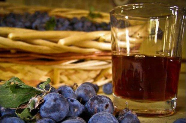 Как сделать домашнее вино из сливы - простой и подробный рецепты 2