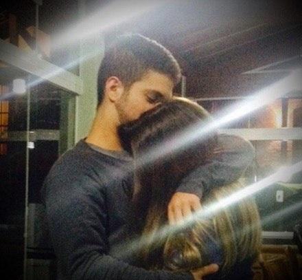 Картинки и фото на аву парень с девушкой обнимаются - подборка 14