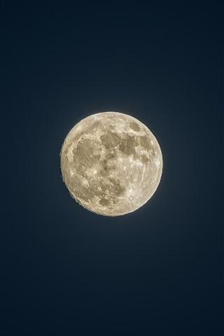 Невероятные и необычные картинки, фото луны на телефон на заставку 6