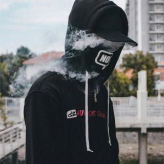 Фото парней в классной одежде без лица на аву - подборка 2018 17
