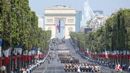 Франция отмечает День Бастилии с захватывающим парадом - фото, новости 1
