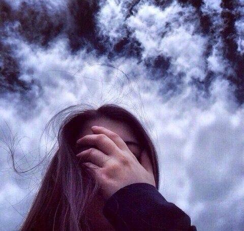 Девушка плачет - картинки. Грустные картинки плачущих девушек 1