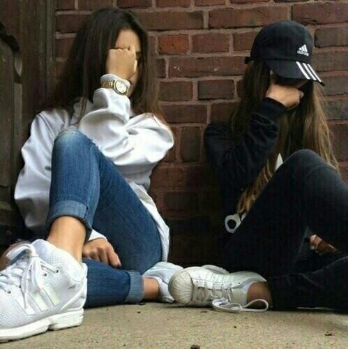 Картинки и фотки на аву для девушек с подругами - лучшая подборка 5