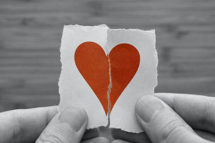 Красивые и интересные картинки со смыслом про разбитое сердце 16