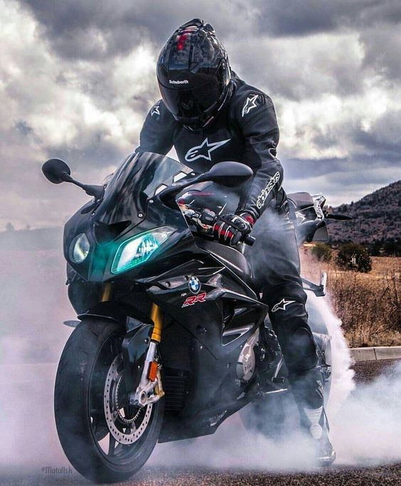 Картинки мотоциклистов на аву в вк