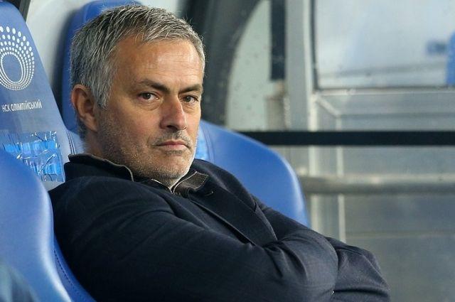 СМИ В «Манчестер Юнайтед» Моуринью на грани отставки - новости 1