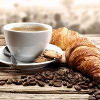 Круассаны с кофе, или как позавтракать по-французски - рецепт 1