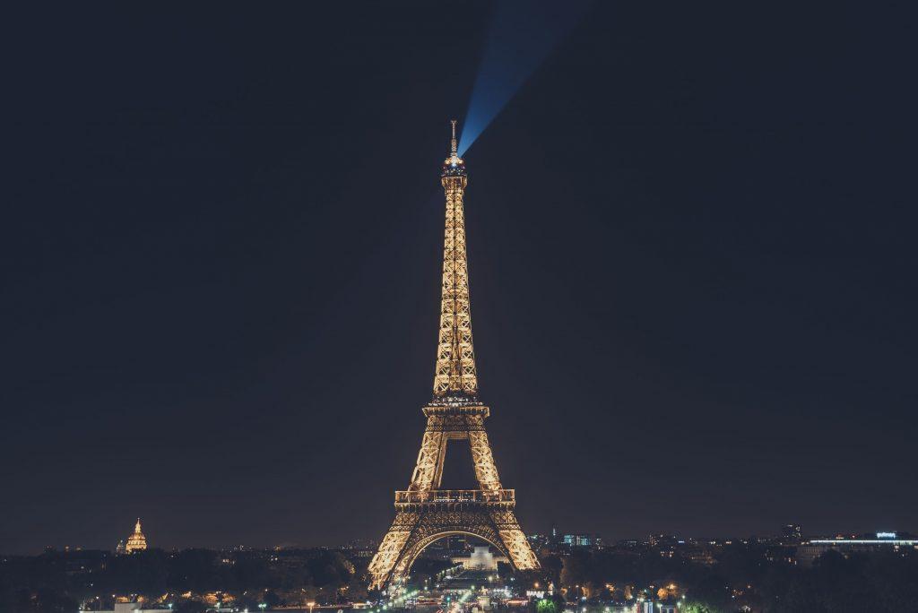 Эйфелева башня - очень красивые и удивительные картинки 13