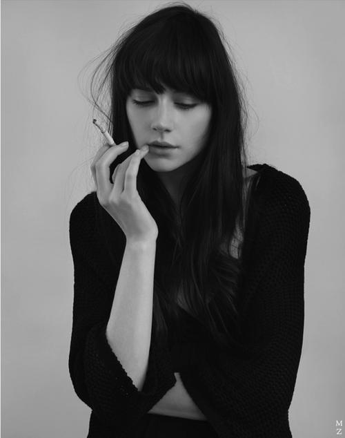 Классные и крутые картинки на аву курящих парней и девушек - сборка 4
