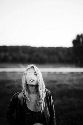 Классные и крутые картинки на аву курящих парней и девушек - сборка 6