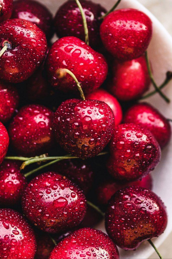 Красивые и прикольные картинки вишни - подборка изображений 19