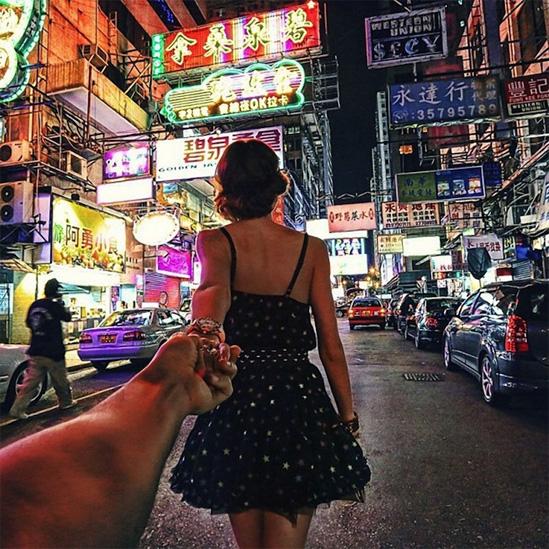 Красивые картинки на аву девушка тянет парня за руку - подборка 12