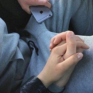 Руки девушки и парня - фото. Парень и девушка держатся за руки, фото 11