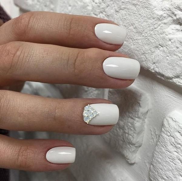 Красивые фото дизайна белых ногтей - подборка 25 картинок 20