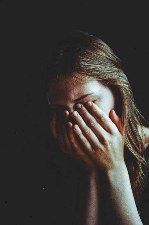 Красивые фото и картинки грустных девушек - подборка 2019 1