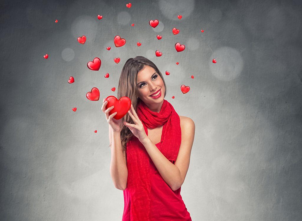 Прикольные и классные картинки девушек с сердечками - сборка 13
