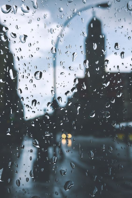 Красивые и удивительные картинки дождя для заставки - подборка 8