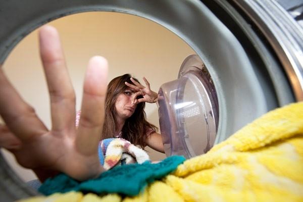 Как устранить запах в стиральной машине   лучшие способы (1)