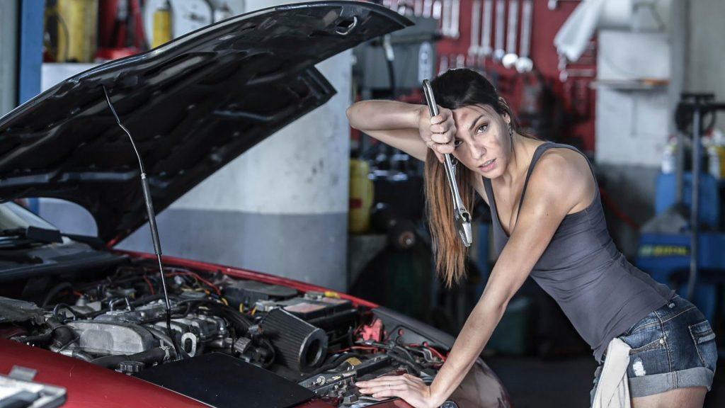 Крутые картинки на рабочий стол девушки с авто - подборка (8)