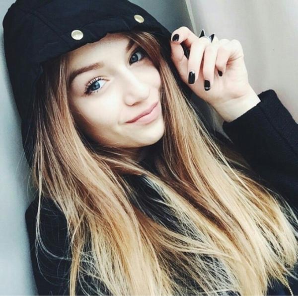 Девушка 17 лет на аву004