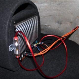 Как подключить активный сабвуфер в машине (1)