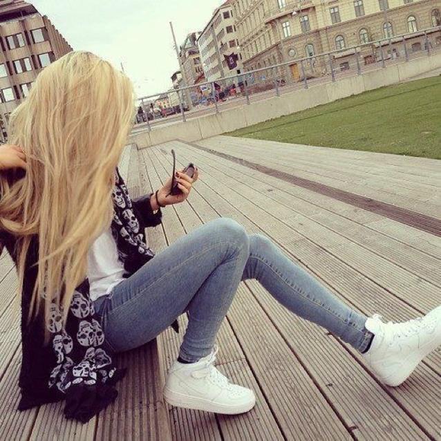 Картинки девушек на аву блондинок018