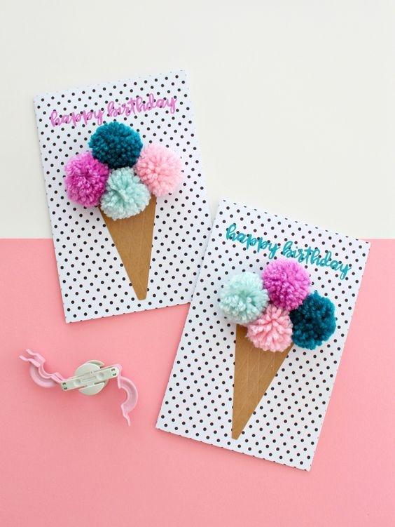 Красивые открытки на мамин день рождения018