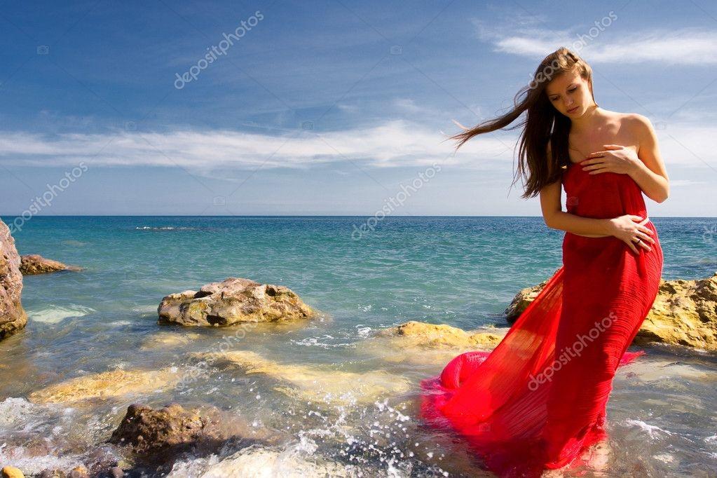 Красивые фото женщин на море010