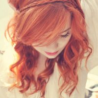 Красивые фото рыжей девушки на аву в ВКонтакте   20 картинок (27)