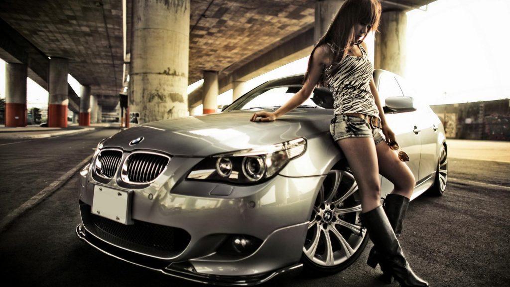Лучшие фото машин с девушками на рабочий стол - подборка (13)