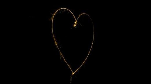 Сердце картинки на черном фоне019
