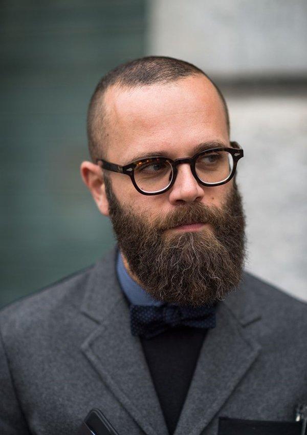 Фото мужчин в очках и с бородой - подборка 20 картинок (15)