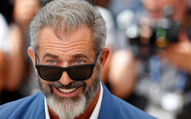 Фото мужчин в очках и с бородой - подборка 20 картинок (18)