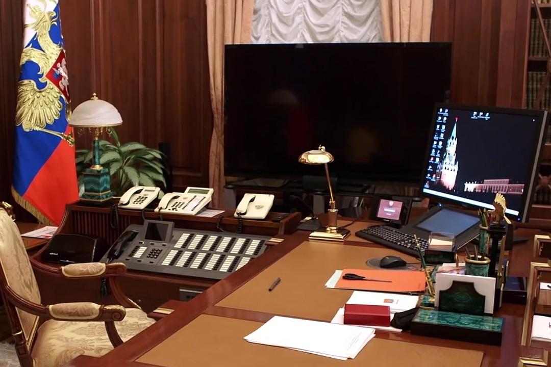 фото Путина в кабинете (11)