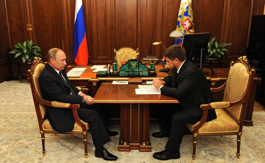 фото Путина в кабинете (12)
