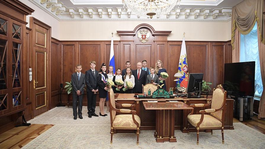 фото Путина в кабинете (17)