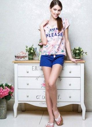 фото девушек в футболке и в шортах (26)