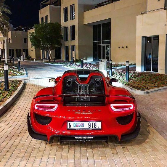 Красивые автомобили вид сзади - качественная подборка фото (6)