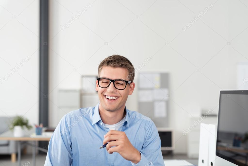 Картинки мужчина в офисе - подборка (11)