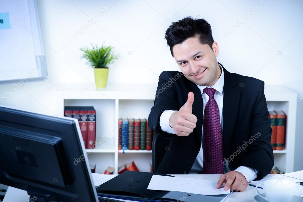 Картинки мужчина в офисе - подборка (3)