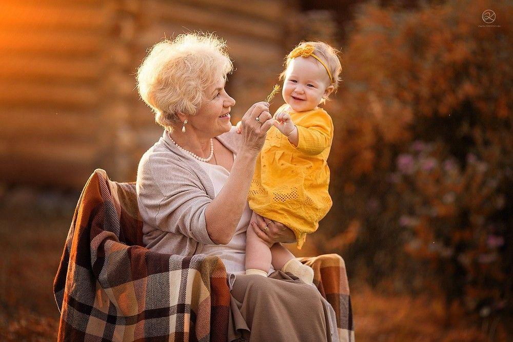 Осенняя семейная фотосессия на природе идеи и фото (10)