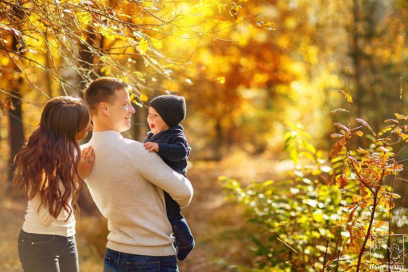 Осенняя семейная фотосессия на природе идеи и фото (12)