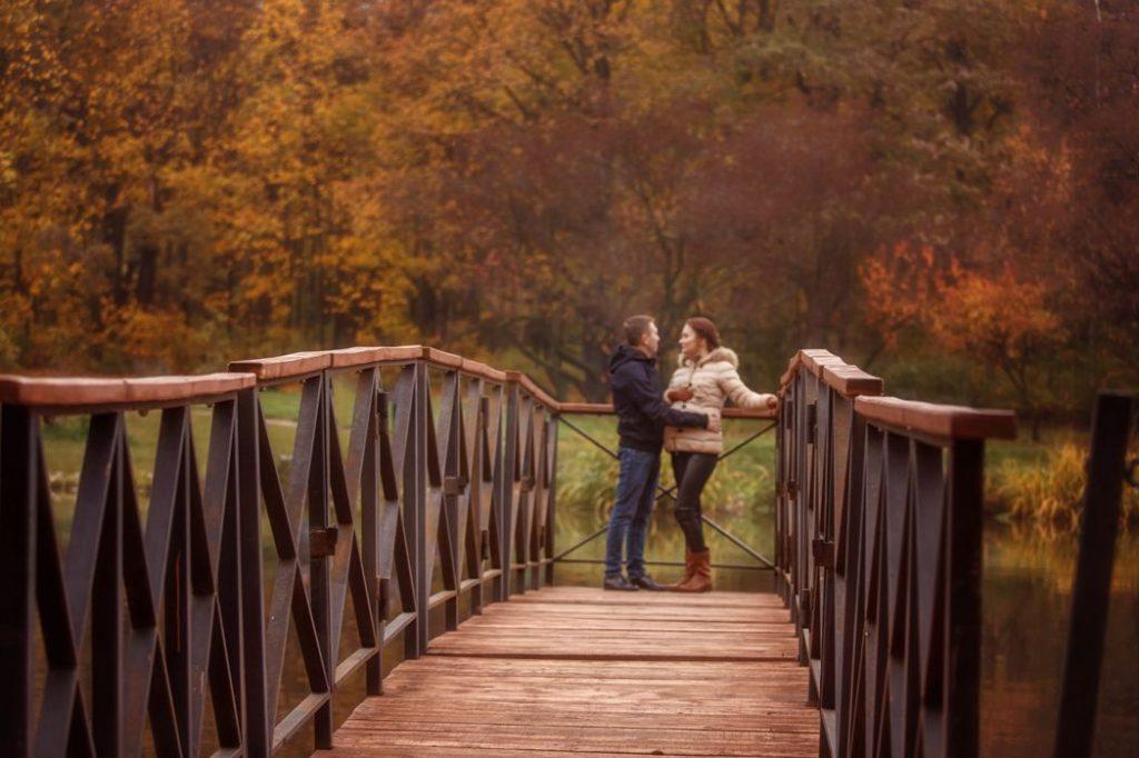 Осенняя семейная фотосессия на природе идеи и фото (13)