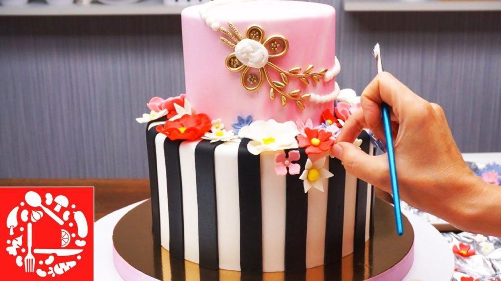 Торт на день рождения для подруги из мастики - фото (5)